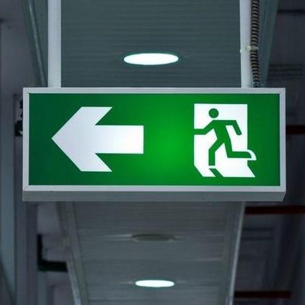 Φωτιστικά Εφεδρικού Φωτισμού - Ασφαλείας